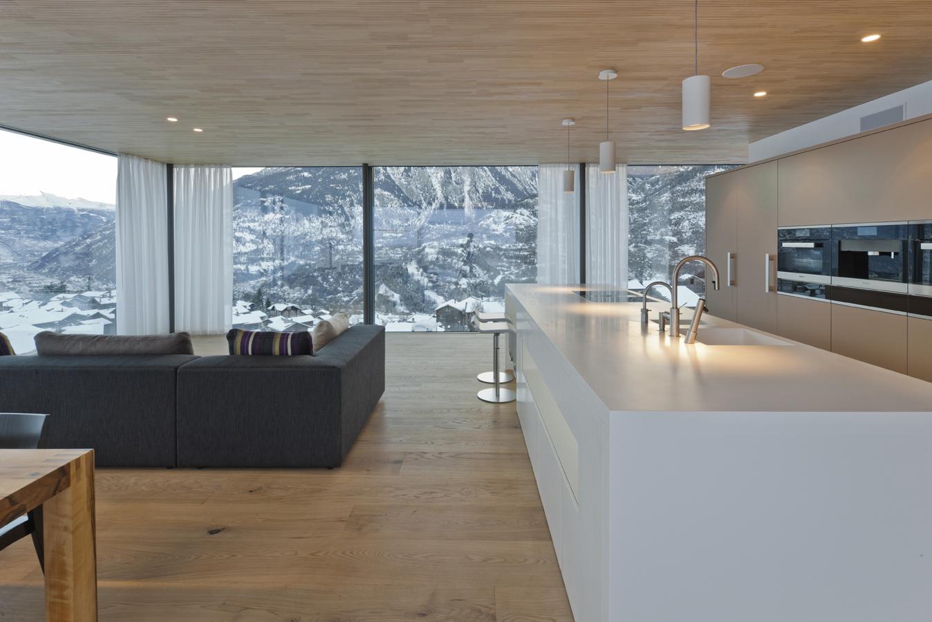 Hi macs per una casa 39 verde 39 in svizzera hi macs for Casa unifamiliare tradizionale