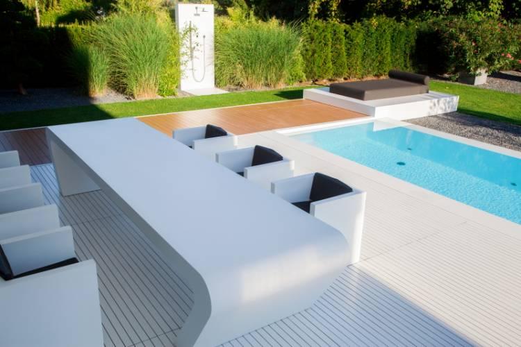 Dreer 39 s house terrace hi macs for Piscinas minimalistas