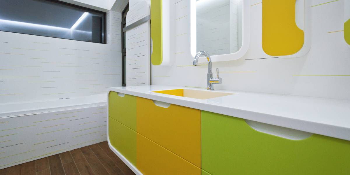 Une salle-de-bains pour enfants colorée et pétillante | HI-MACS®